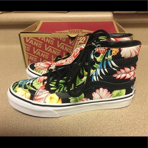 c5271aff3b Vans SK8 HI SLIM Hawaiian Floral Black Women s 5.5